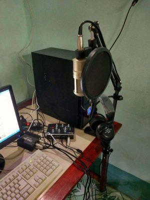 khách hàng mua mic thu âm 11