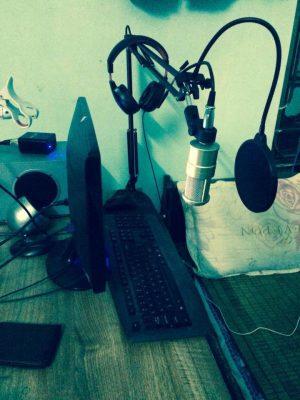 khách hàng mua mic thu âm 12
