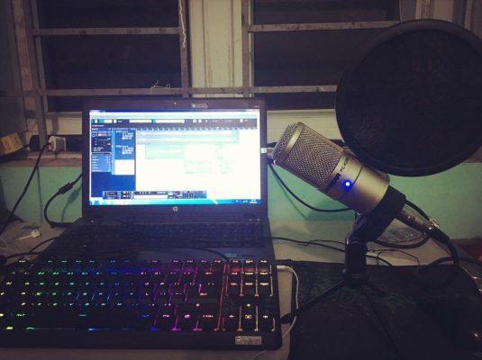mic thu âm 27