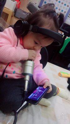 khách hàng mua mic thu âm 8