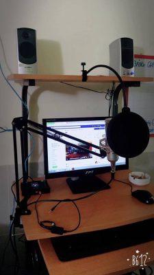 mic thu am livestream tại nhà